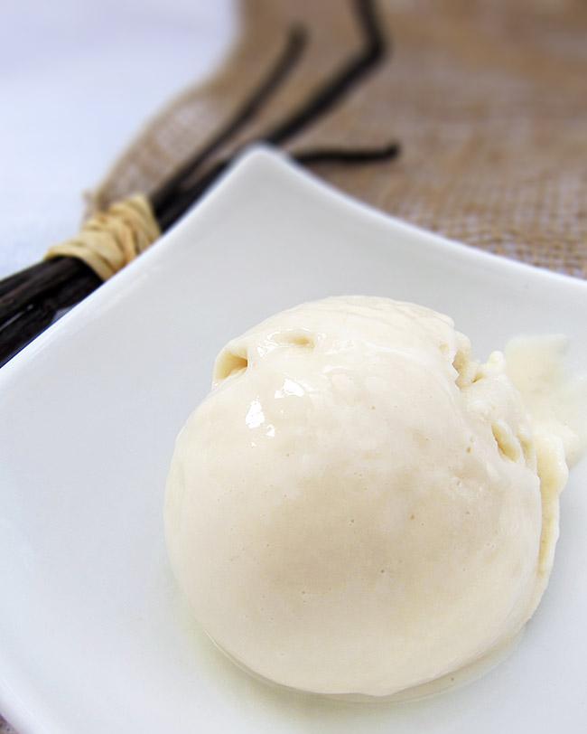 glace végétalienne à la vanille