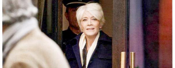 Françoise Hardy dans Elle (Décembre 2012 - 1er extrait) Elledec2012-01