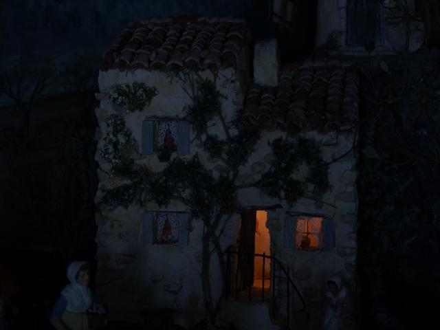 La crèche de Lucien et Agnès ou... l'arlésienne ! M3_Aubenas
